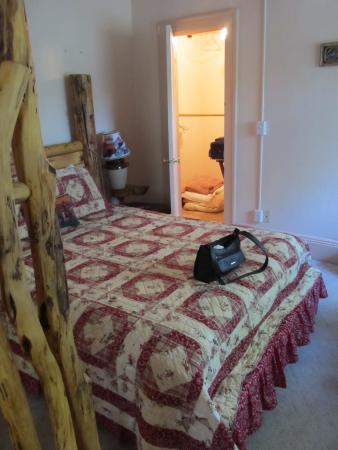 The Historic Union Hotel: Huffman Suite Bedroom