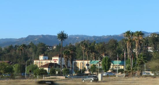 Hampton Inn Los Angeles Santa Clarita View Of Hotel From The Highway