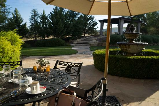 The Canyon Villa: Breakfast view