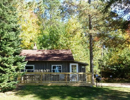 Saint Germain, WI: With the 10x23 deck there is a whole extra world of space with this cabin