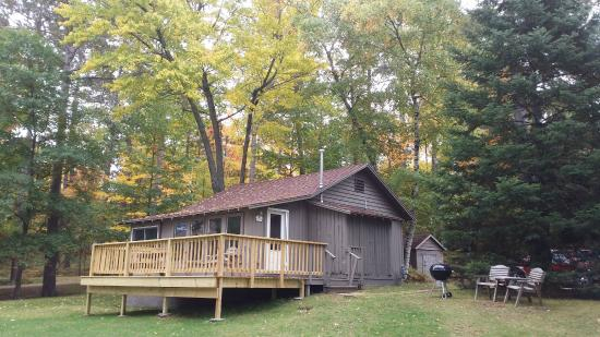 Saint Germain, WI: Cabin 5 has a new elevated deck and great lake views