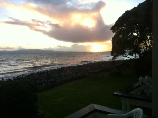 Seaspray Motel : view from the lounge room