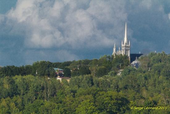 L'Aubade: Église du village, St-Vital de Lambton
