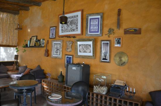 Casa Arbol : salle du petit déjeuner (qui fait aussi bar)