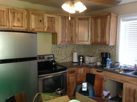 Gateway Restaurant and Lodge: Kitchen
