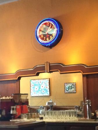 Valley Cafe: 1930's Bar Decor