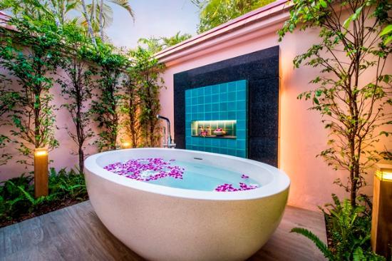 Banyan Tree Phuket: Outdoor Bath Banyan Pool Villa
