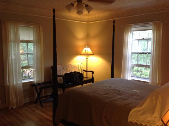 Mary's Room at Wine Country Inn