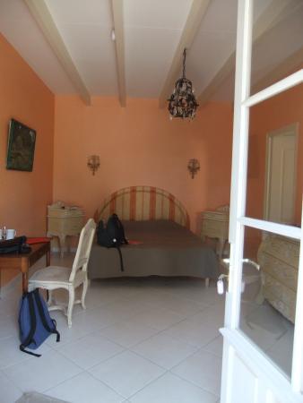 Chateau Rousselle: Cabernet room