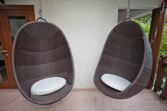 Villa Casis: Outside sofas