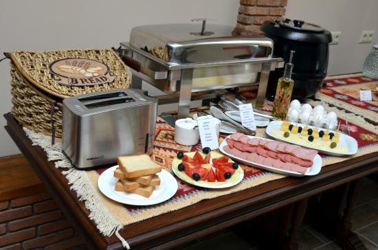 Hotel Old Metekhi: breakfast