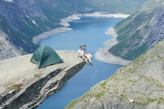 Odda, Norge: They say you can camp anywhere in Norway....