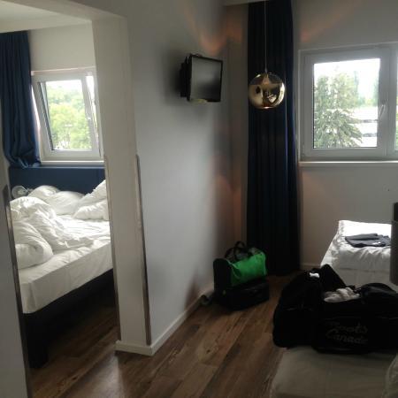 Bild von roomz graz budget design hotel graz for Designhotel graz
