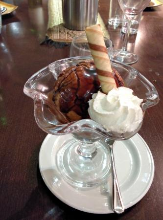 Thai Sakon: Deep fried ice cream