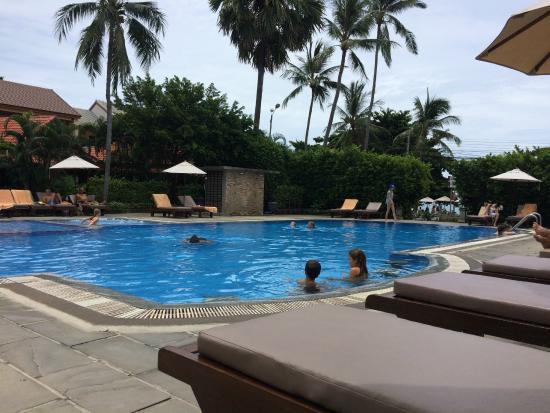 Smile House Resort: piscina