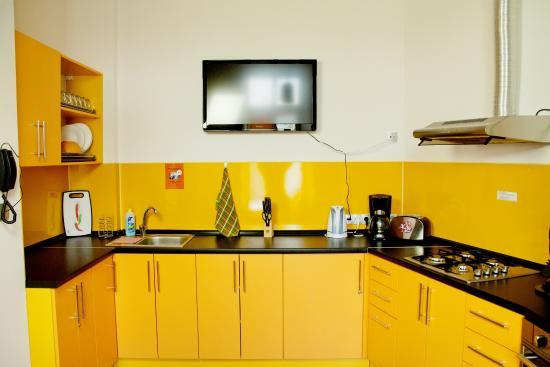 ZigZag Hostel: кухня