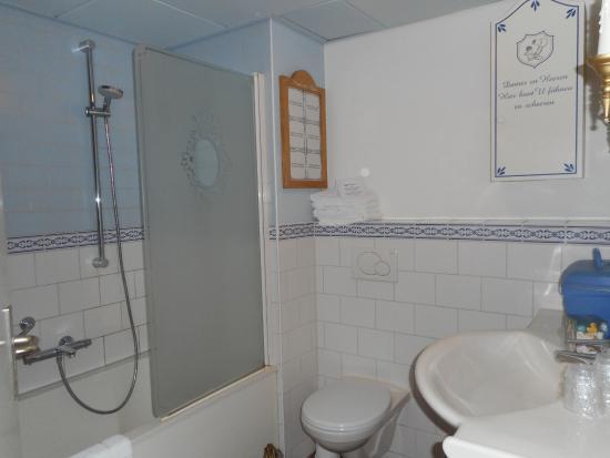 badkamer - Picture of Efteling Hotel, Kaatsheuvel - TripAdvisor