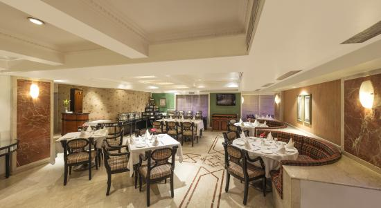 Tunga Paradise Hotel: Restaurant Destiny