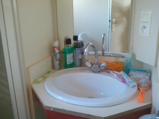 Castelmoron-sur-Lot, Frankrike: Une salle de toilette