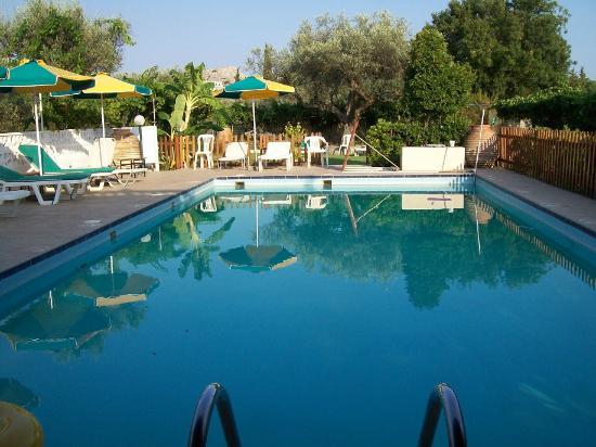 Hotel Varelis: Pool