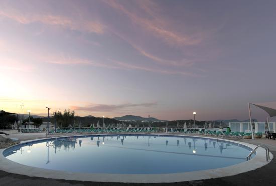 Fiesta Hotel Cala Nova : Piscina