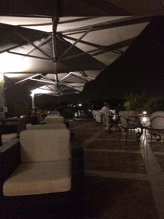 La Maison Royale: Roof Garden at night