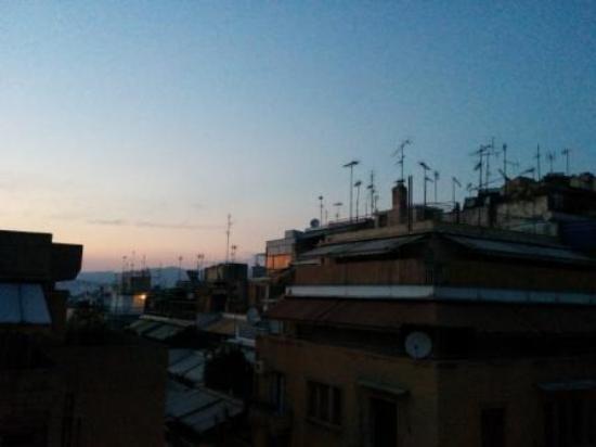 Athens Way: vista dalla finestra della stanza