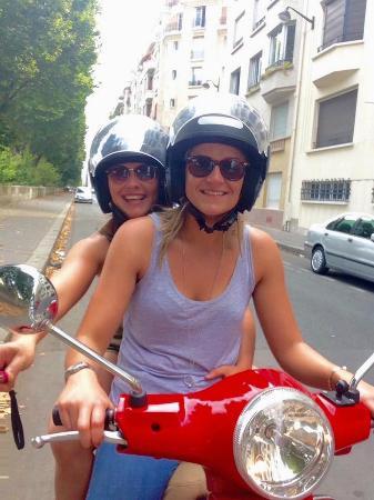Paris, Frankrike: Vespa selfie!