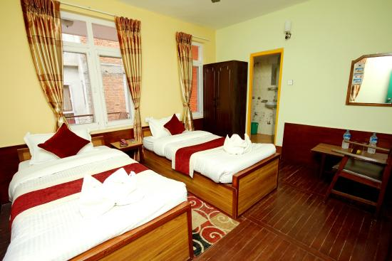 Hotel Backpackers INN: twin bed room