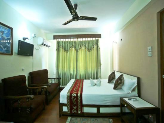 Hotel Pleasure Home Pvt.Ltd: Deluxe Room