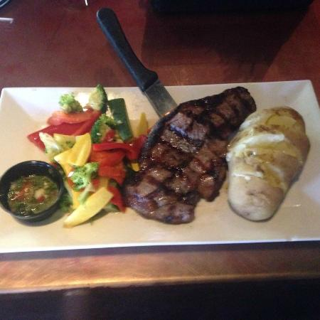 American Rock Bar and Grill: New York Strip Steak!!