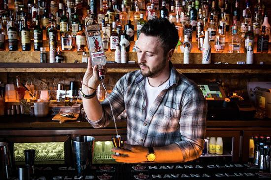 Box Burger: Cocktail Bar