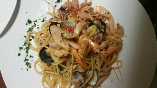 Albergo Ristorante Mariuccia: spaghetti ai frutti di mare