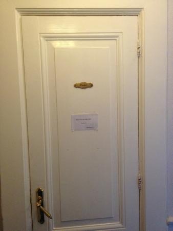 Kooyk Hotel : Toilet door