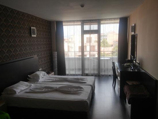 Marieta Palace: Hotel Room