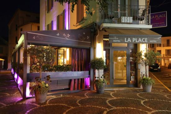 La Place Hotel Antibes: ENTREE