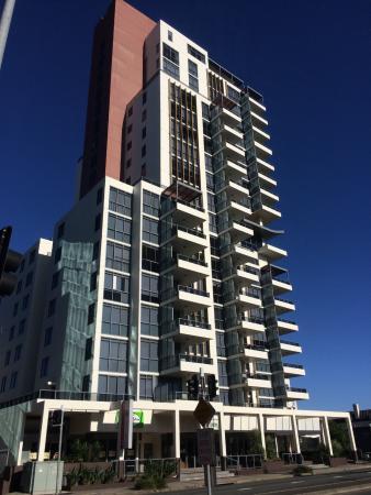 Solaire Apartments: Solaire