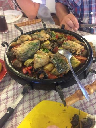 Helios Bar and Food: Fish sizzler