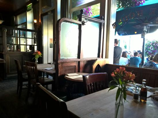 The anglesea arms picture of the anglesea arms london for 15 selwood terrace south kensington london sw7 3qg