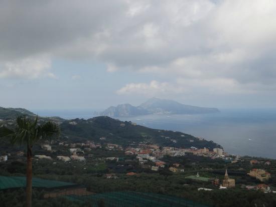 Villa Eliana: View to Capri.