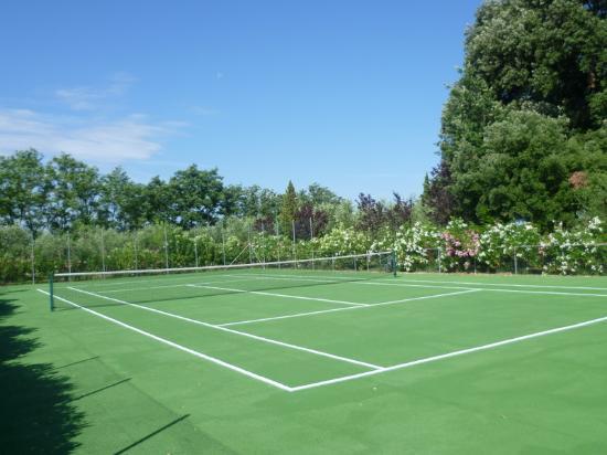 Tenuta Quarrata: campo da tennis