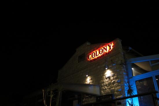 The Colony : Facade