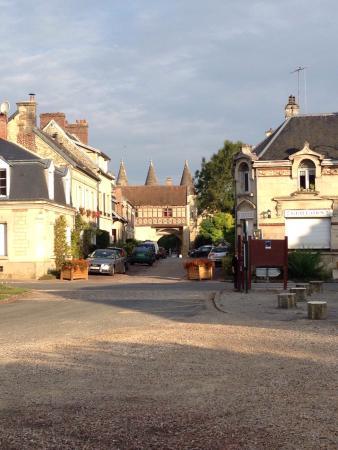 Photo of Hotel de l'Abbaye Longpont