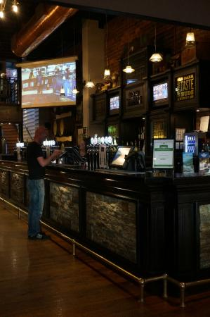 Speights Ale House: Bar