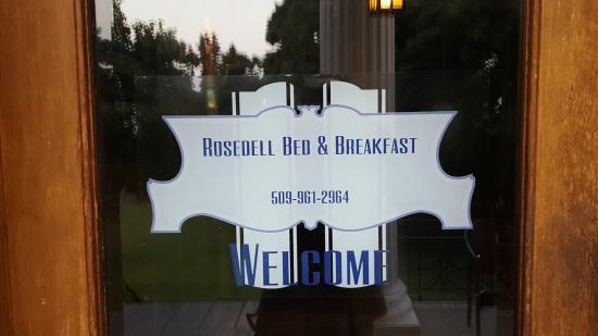 Rosedell Bed & Breakfast: Side door