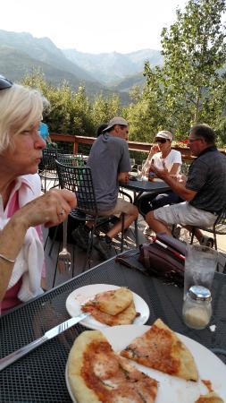 Nenana View Bar & Grille: Good hotel fare