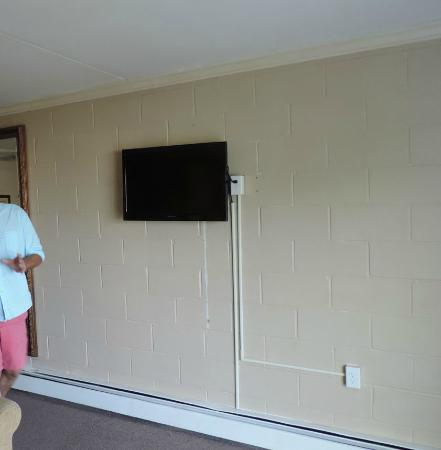 Tv Smaller Than Advertised Seabreeze Motel Old Orchard Beach Maine