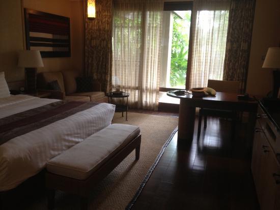 Interior - Shangri-La's Boracay Resort & Spa Photo