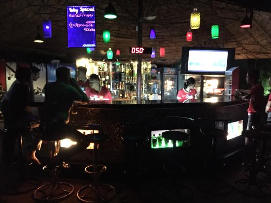Sport Bar - Mya Yeik Nyo, Yangon (Rangoon) - Restaurant