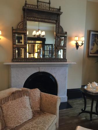 Hotel Le Clos Saint-Louis: Sitting Room